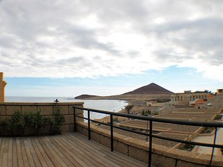 The Medano. Spectacular terrace and sea views!