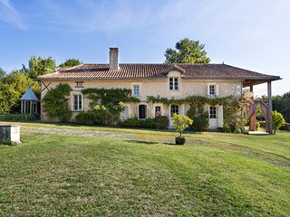 5 bedroom Villa in Soucheix, Nouvelle-Aquitaine, France - 5683857