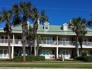 Caribbean Dunes 210, 2BR/2BA, sleeps 6, across the street from the beach!