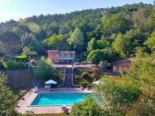 Casa Luciana private villa with private pool, walking distance of village.