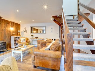 The Anchorage: A cosy pet friendly holiday cottage PW9105
