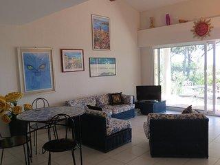 Villa 6 couchages dans residence avec piscine proche mer et commerces