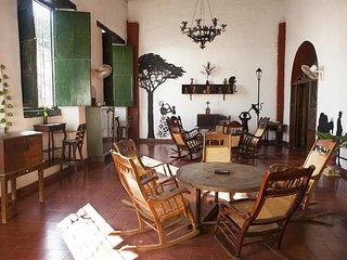 Cafe Mompox Colonial House - habitacion con bano con AC