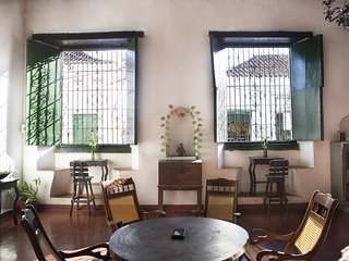 Cafe Mompox Colonial House - fan room