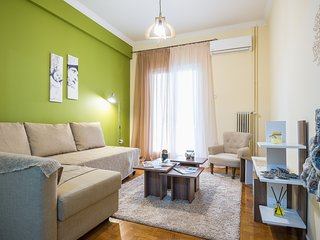 Boutique Acropolis Apartment - Just 5 minutes walk to Acropolis Museum