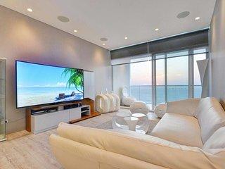 apartamento lujoso frente al mar