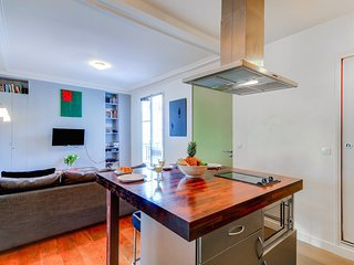 037. IN THE HEART OF THE MARAIS - NEAR POMPIDOU CENTRE - SUPER CENTRAL 1BR FLAT!