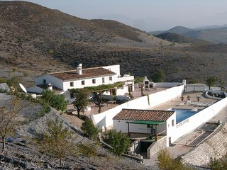 Cortijo in a quiet location with panoramic views near the town of Velez Rubio