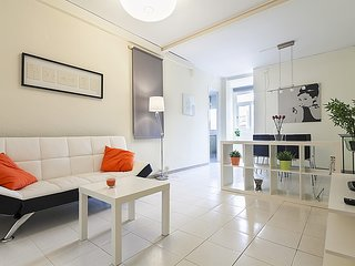 Cozy apartment close to the center of Barcelona with Lift, Internet, Washing mac