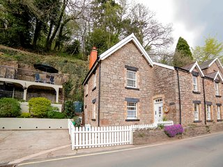 62377 House situated in Tintern