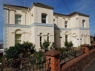 66833 Apartment situated in Westward Ho!