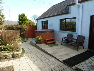 Cosy 1-Bed Cottage w/ Hot Tub