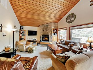 Close to Fort Rock Park & SHARC! Updated 3BR w/ Hot Tub & Multi-Level Deck