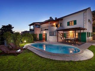 Wonderful 4 bedroom villa on Hvar island
