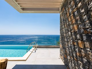 Fotinari Villa 1 - High quality above the beach with heated infinity pool