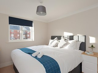Colchester Tree View Apartment by PLL  – Fully Serviced Apartment