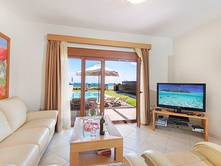 Rhodes Town Villa Sleeps 7 with Pool and Air Con - 5686828