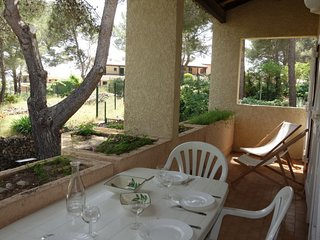 2 bedroom Apartment with WiFi and Walk to Beach & Shops - 5051489