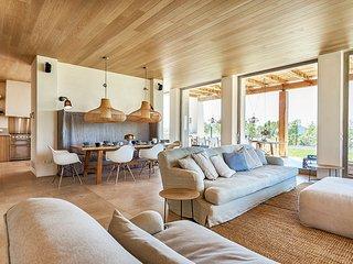 Santa Eulalia del Rio Villa Sleeps 10 with Pool and Air Con - 5684403