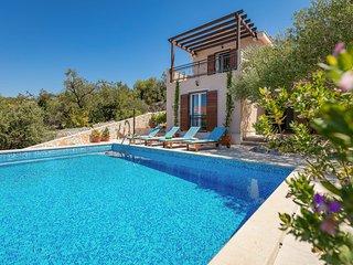 Beautiful Family Villa Helena, Milna-sea View!