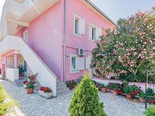 2 bedroom Apartment in Pula, Istarska Županija, Croatia - 5564648