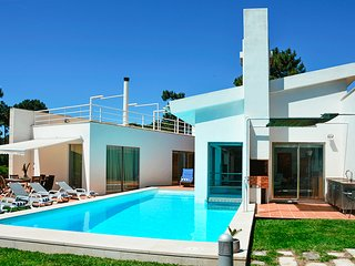 6 bedroom Villa in Aroeira, Setubal, Portugal : ref 5689294