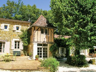 5 bedroom Villa in Saint-Martin-des-Combes, Nouvelle-Aquitaine, France - 5684306