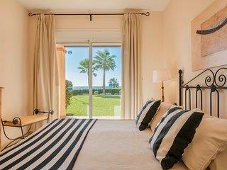 Quiet Beachfront 2 Bedroom Apt with Amenities