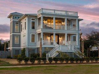 Coastal Manor- 3403 Palm Blvd.