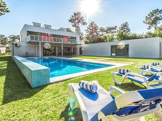 4 bedroom Villa in Aroeira, Setubal, Portugal : ref 5689298