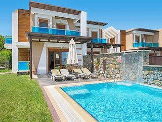 3 bedroom Villa in Rhodes Town, South Aegean, Greece - 5687605