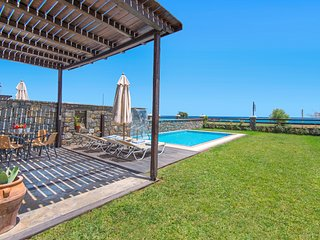 Rhodes Town Villa Sleeps 4 with Pool and Air Con - 5687605