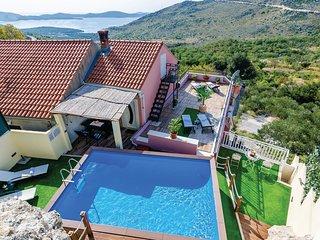 3 bedroom Villa in Mravnica, Dubrovačko-Neretvanska Županija, Croatia : ref 5537