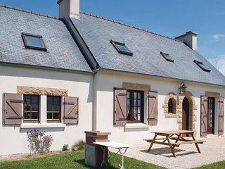 3 bedroom Villa in Plounéour-Trez, Brittany, France : ref 5522051