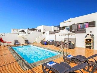 3 bedroom Villa in Puerto del Carmen, Canary Islands, Spain - 5691987
