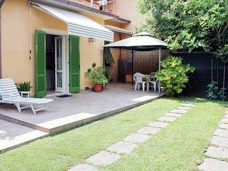 2 bedroom Villa in Capanne-Prato-Cinquale, Tuscany, Italy : ref 5651370