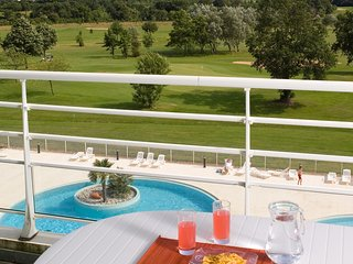 Deluxe + Spacious Retreat on the Golf Course | Private Balcony/Terrace