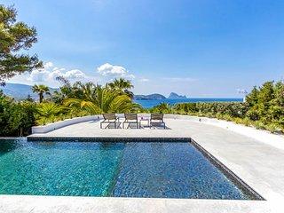 Cala Bassa Villa Sleeps 12 with Pool and Air Con - 5684397