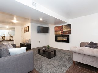 HUGE, UPSCALE APARTMENT W/ PRIVATE OASIS & POOL!
