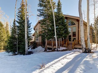 NEW LISTING! Ski-in/out from this cabin w/private hot tub, fireplace & game room