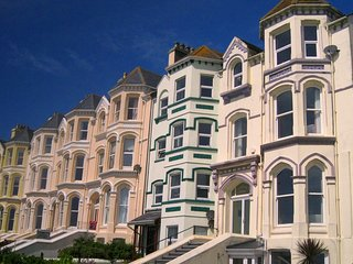 Endfield House - beautiful seaside apartment above beautiful sandy beach!