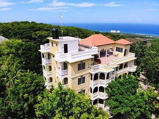 Takuma Rose Hall Hills Mo Bay Jamaica - Mango Bush Villa Suite