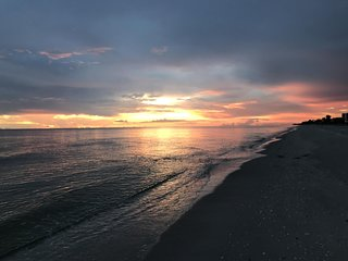 Barefoot Bliss Beaches & Stunning Sunsets Await You!!!