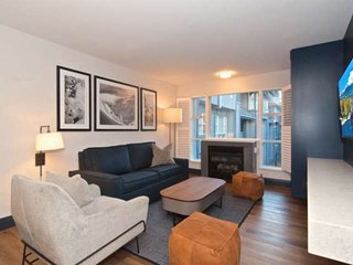 Family size Condo at base of BLACKCOMB. Professionally Managed + Cleaned Worry F