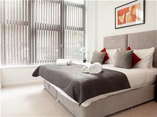 Superb One Bedroom Apartment in Central Croydon and Moments from London