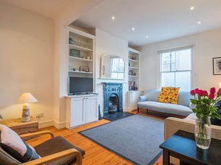 Charming Putney Home by the High Street