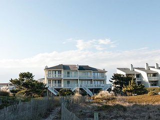 Nice oceanfront efficiency on the south end of Wrightsville