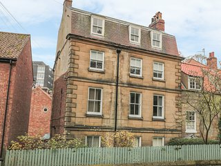 THE SURFERS BOLT HOLE, central location, WiFi, in Whitby, 998830