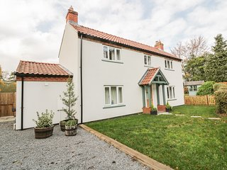 GREENACRES, Pet-friendly, Woodburning stove, Norwich