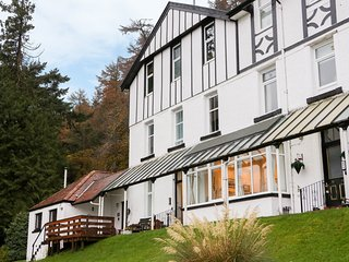 2 KILMUN COURT, Views over bay, open-plan living, Dunoon
